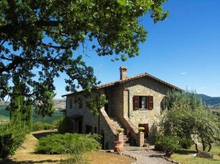 4 bed Farm House in Tuscany, Siena...