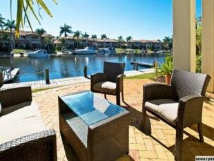 3 bed Town House in RUNAWAY BAY 4216