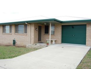3 bedroom Duplex in 20B Brownleigh Vale...