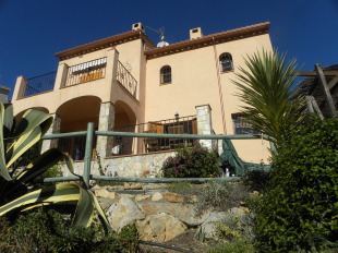 2 bed Villa for sale in Catalonia, Girona...