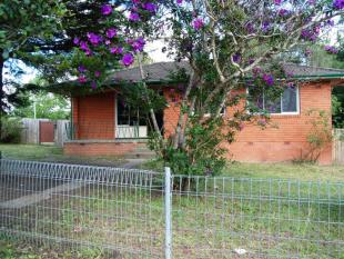 3 bedroom house in 25 Gordon Nixon Avenue...
