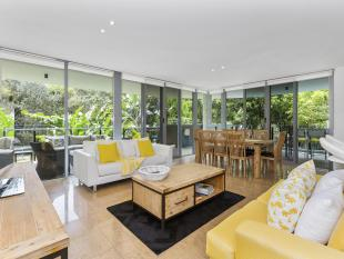 Flat for sale in 72/685 Casuarina Way...