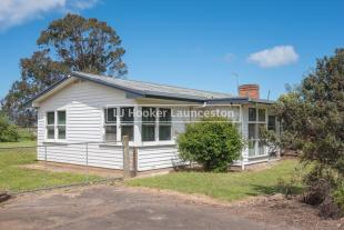 4 bed house for sale in 50 Meander Valley Road...