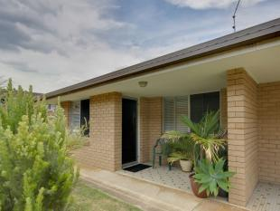 Flat in 4/14 Marlyn Avenue...