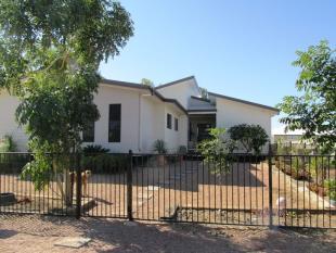 4 bedroom home in 2 Teal street...
