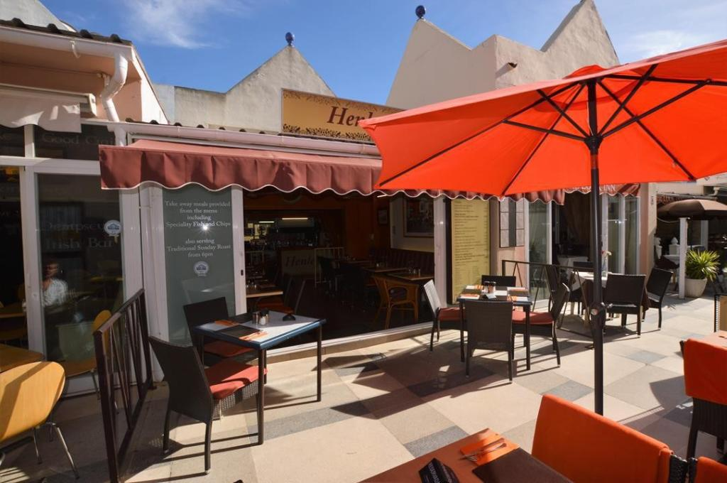 Commercial Property for sale in Calahonda, Malaga, Spain