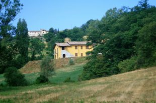 Farm House for sale in Umbria, Perugia...