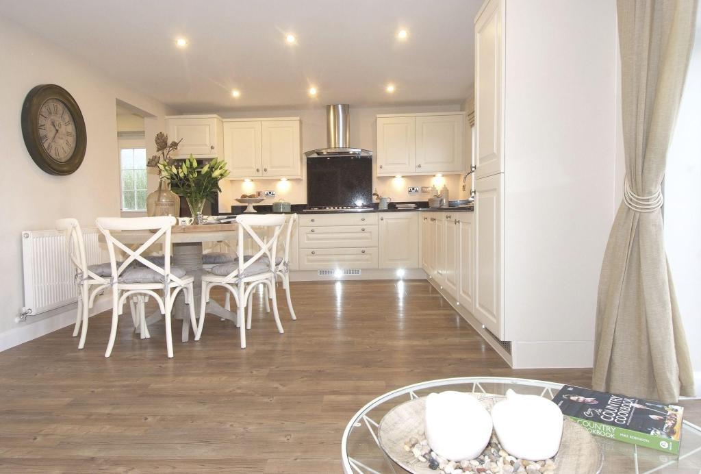 5 bedroom detached house for sale in holt avenue adel for Room 4 design leeds