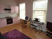 2 bedroom Flat in Duesbery Street...