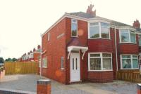 2 bedroom End of Terrace property to rent in Willerby Road, Hull...