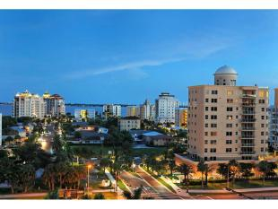 Flat in Golden Gate Pt, Sarasota...
