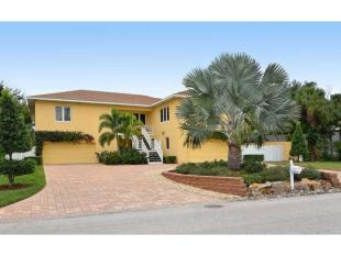property for sale in Island Cir, Siesta Key, Florida, United States of America