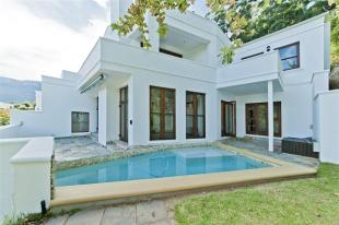 4 bedroom property for sale in Western Cape, Hout Bay