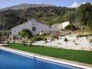 Casa y piscina zona
