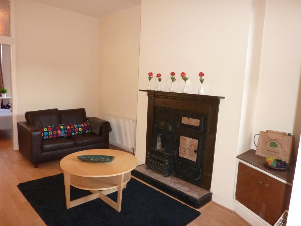 Lounge (pic 1)
