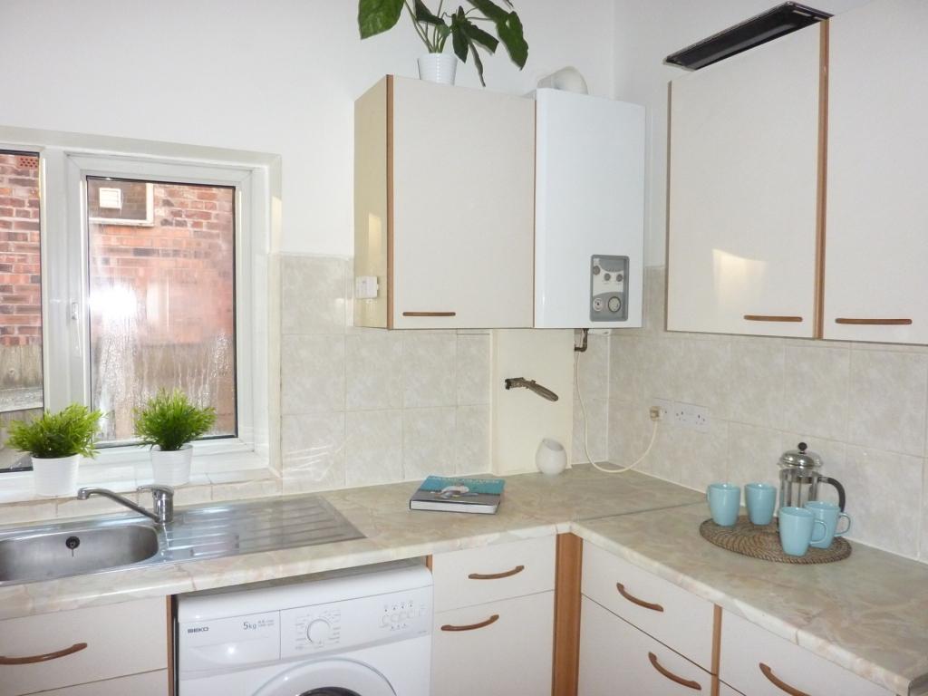Kitchen (pic 1)