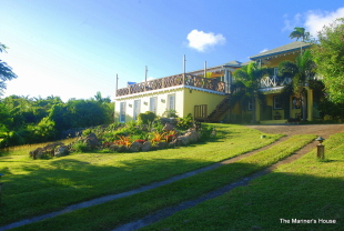 Detached Villa for sale in Charlestown