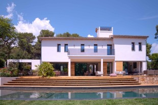 6 bed Villa in Provence-Alps-Cote...