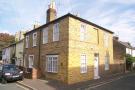 2 bedroom house to rent in Albert Road, Richmond...
