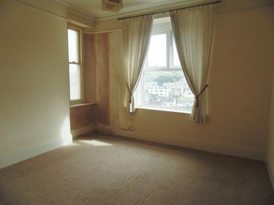 Bedroom 1/ Din...