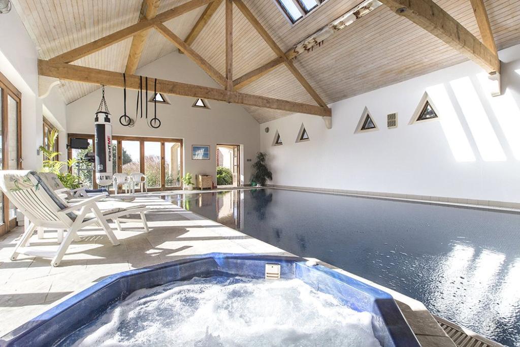 6 Bedroom Detached House For Sale In Stretton On Fosse Moreton In Marsh Warwickshire Gl56 Gl56