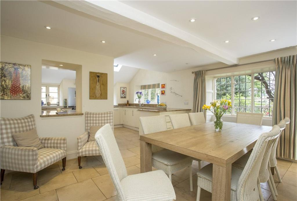 6 bedroom detached house for sale in the green kingham for Perfect kitchens chipping norton