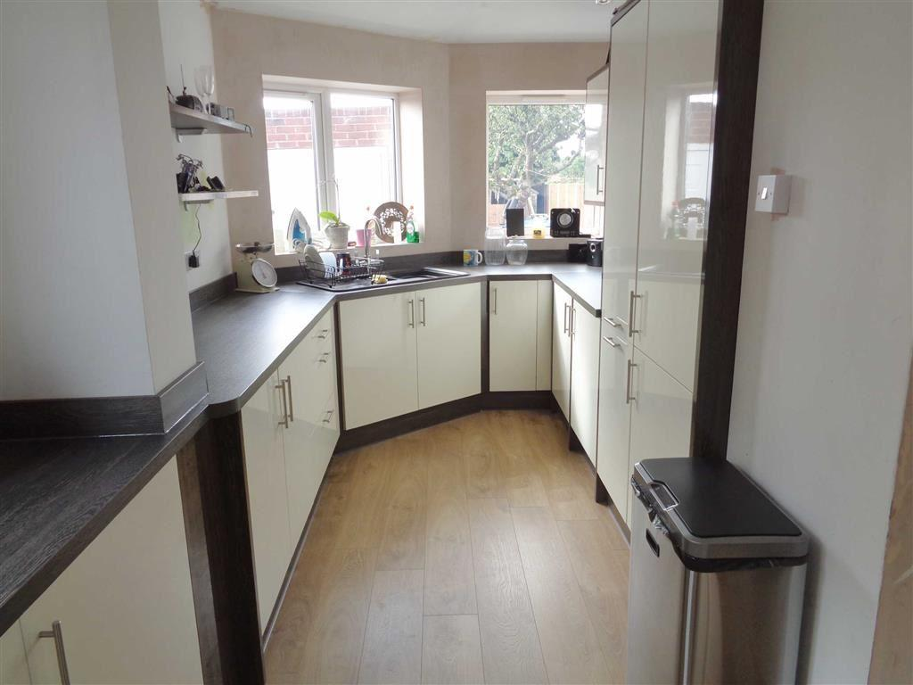 Kitchen (EXTENDED)