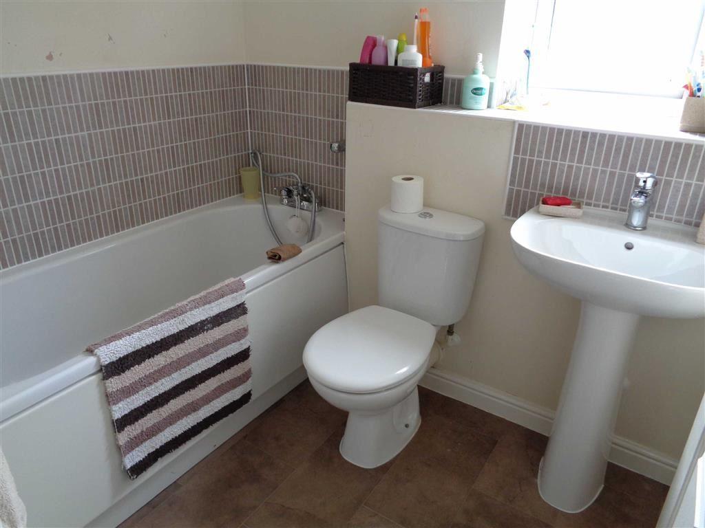 Family Main Bathroom