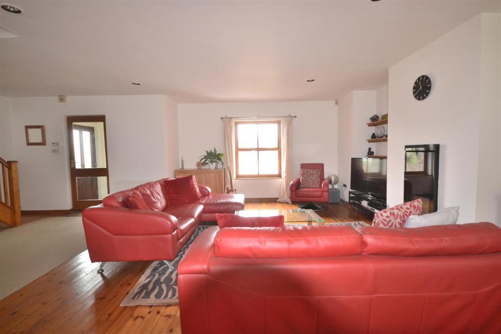 Living room area.JPG