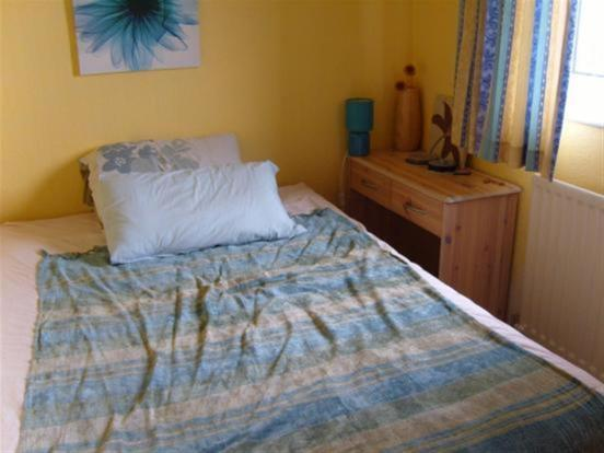 NE21 6NS bedroom.jpg