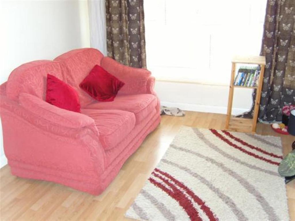 NE21 6NS living room