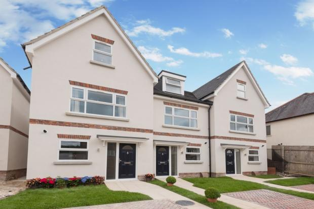 3 Bedroom Terraced House For Sale In Queens Road High Wycombe Hp13 Hp13