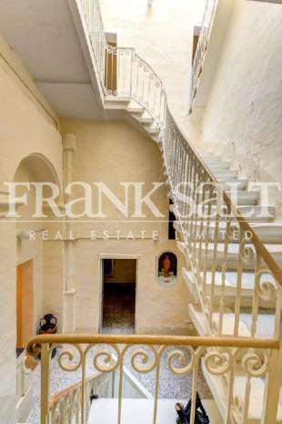 6 bed Town House for sale in Senglea