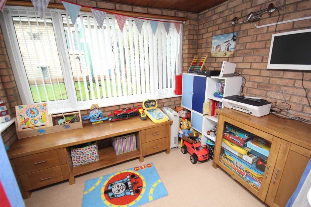 Playroom/Sunroom