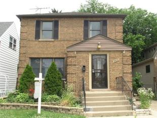 2 bed house for sale in Chicago, Illinois