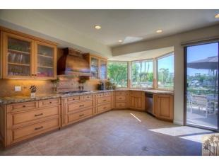 3 bed Flat for sale in Rancho Mirage, California