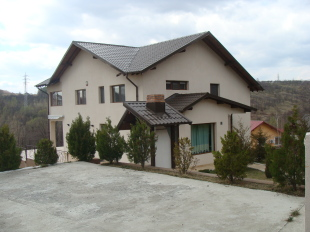 4 bed Detached home for sale in Prahova, Valenii de Munte