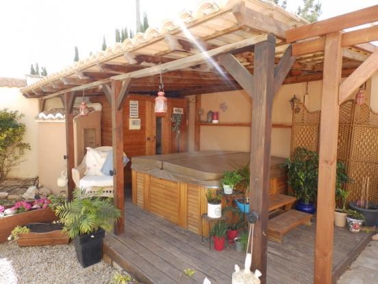 Jacuzzi & Sauna