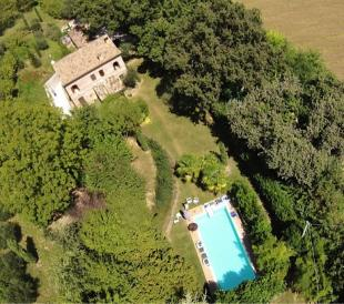 Country House in Sant'angelo In Pontano...