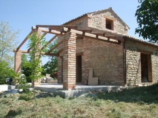 3 bed Country House for sale in Le Marche, Macerata...
