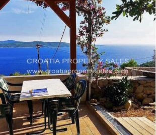 3 bedroom semi detached home for sale in Hvar Island...