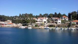 Stone House for sale in Hvar Island...