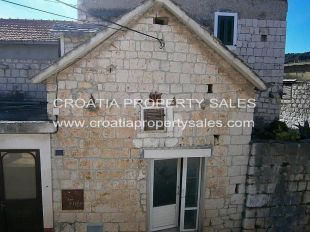 Stone House in Split-Dalmatia for sale