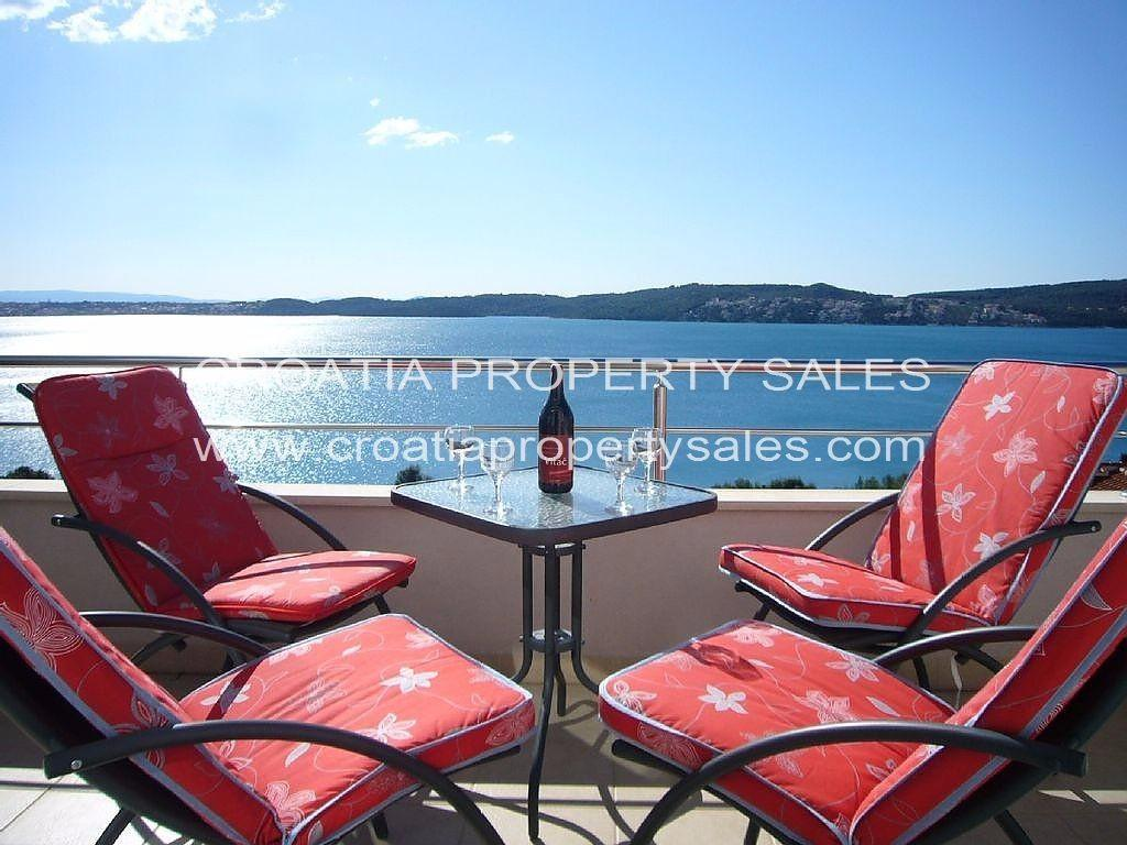 Apartment for sale in Donji Seget...