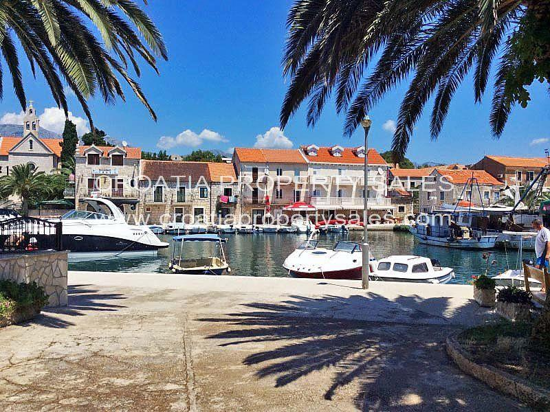 Stone House in Hvar Island for sale