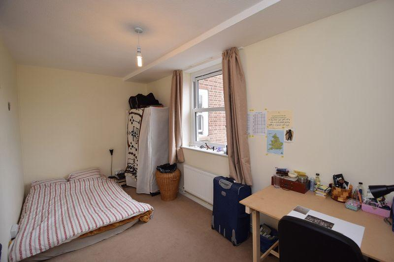 Room To Rent Nisbet House