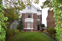 Flat for sale in Shrewsbury Lane Shooters...