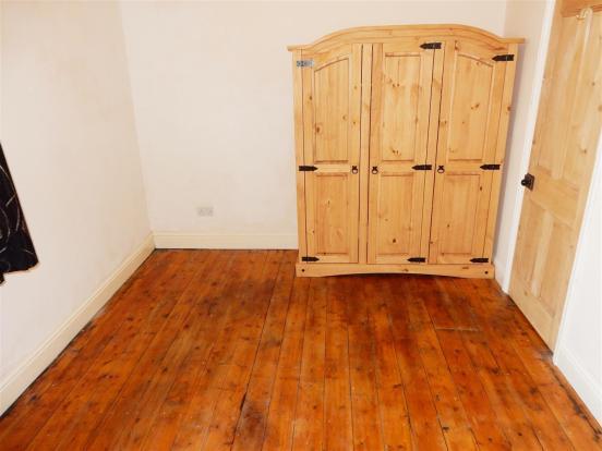Bedroom 1 no 2.JPG