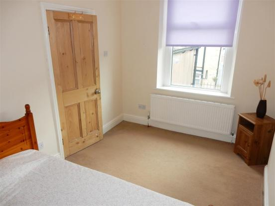 Bedroom 2 no 3.JPG