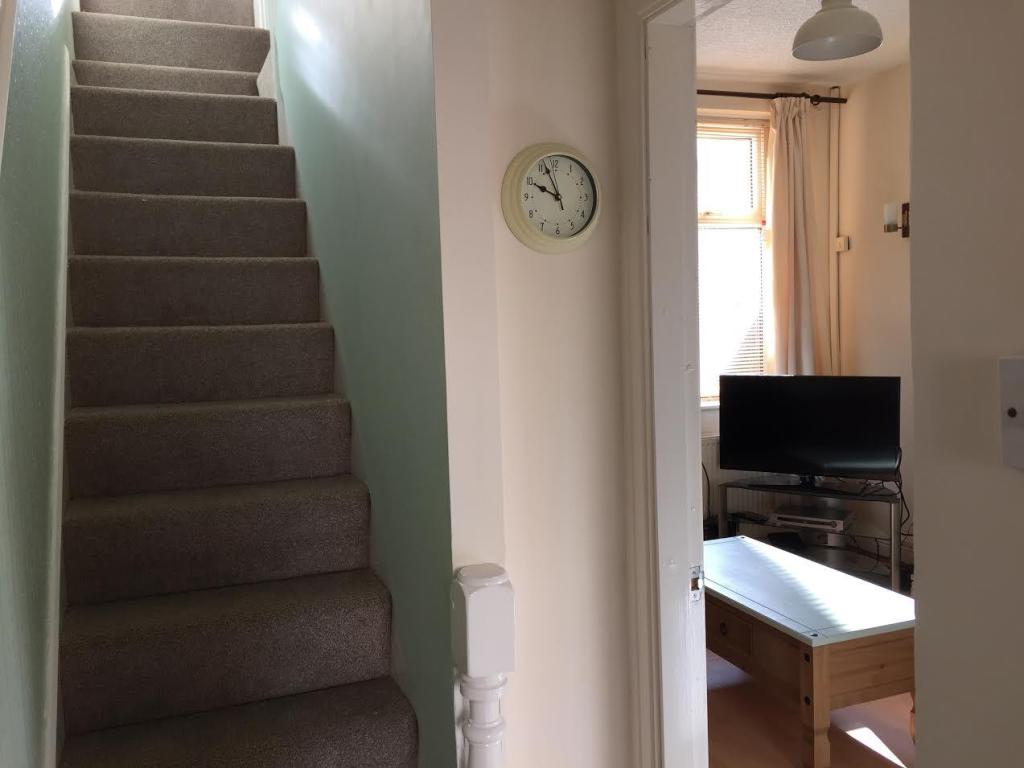 Hallway.Stairs1.jpg